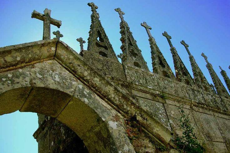 CEMENTERIOS BARROCOS DE LUGO : ruta de cementerios españoles con encanto
