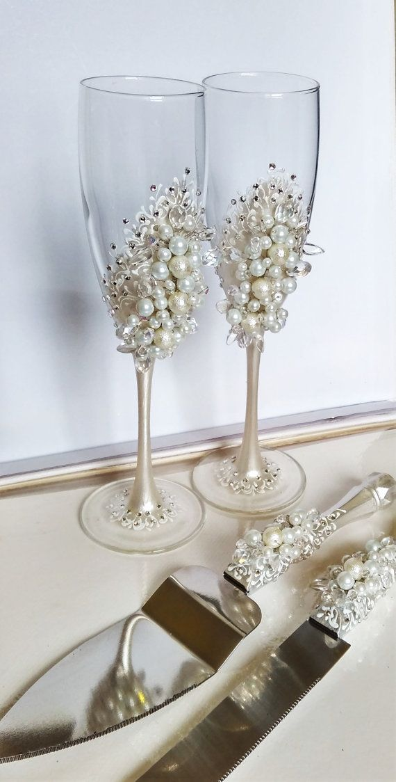Personalized wedding flutes and cake server set, White Wedding champagne glasses…