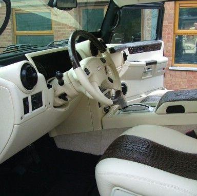 Hummer H2 interior-9