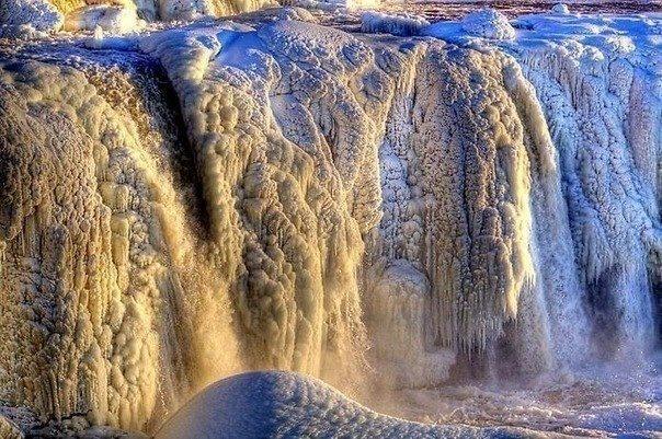 Замёрзший водопад Ридо, в канадской Оттаве: Waterfalls, Waterfall Rideau, Frozen Waterfall, Canada, Nature, Ottawa, Водопад Ридо, Water Fall, Замёрзший Водопад
