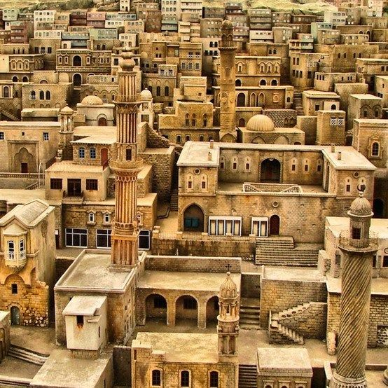 Run along the rooftops in Mardin, Turkey.