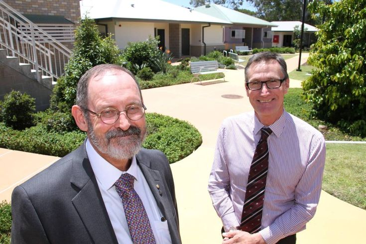 Mental Health, Alcohol and Other Drugs Branch executive director Dr Bill Kingswell, right, at the adult mental health care facility at Redland Bay with Metro South Addiction and Mental Health Services executive director Professor David Crompton.  Photo by Chris McCormack