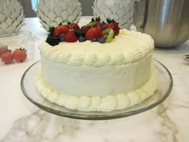 Best 25 Chantilly cake recipe ideas on Pinterest Whole foods