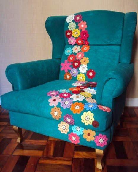 Amber's Creaties: Gehaakte bloemen en een saaie stoel