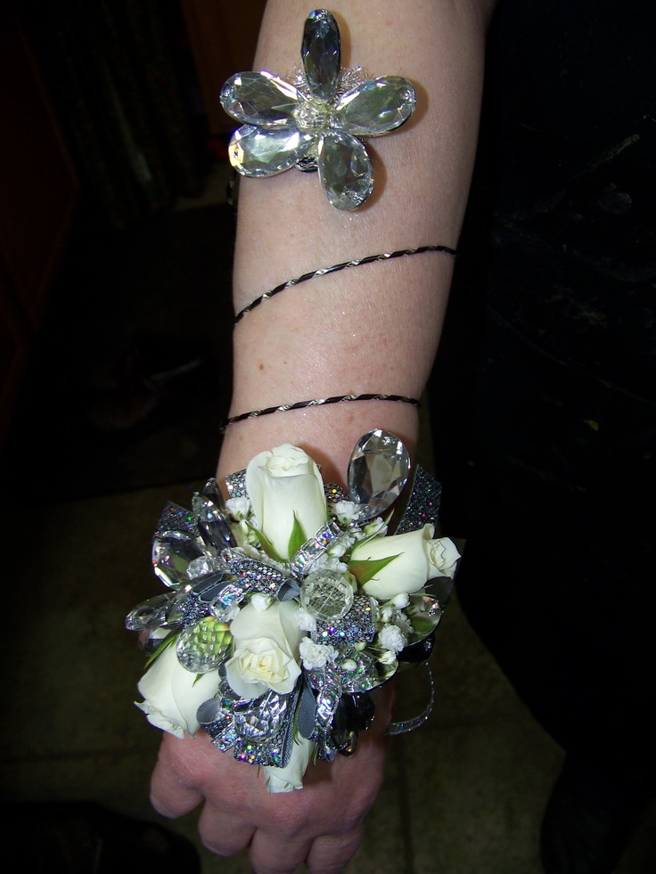 Stand Out With This Wrist Corsage With Arm Wrap Spray