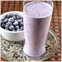 Blueberry Cheesecake Smoothie 3/4 cup blueberries ½ medium banana, cut into small pieces ¼ cup ricotta cheese ½ cup skim milk