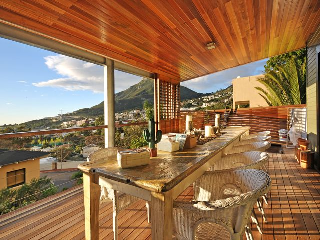 Holiday Apartment in Camps Bay on the top level | Geneva top is the largest of 3 Holiday Apartmens in Camps Bay