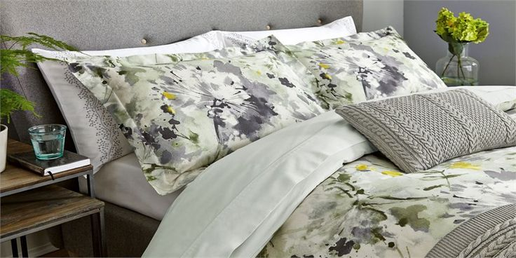 Sanderson - Traditional to contemporary, high quality designer fabrics and wallpapers | Home Accessories - Sanderson has a wide range of rugs, towels, bedlinen and home fragrances | British/UK Fabric and Wallpapers | Sanderson