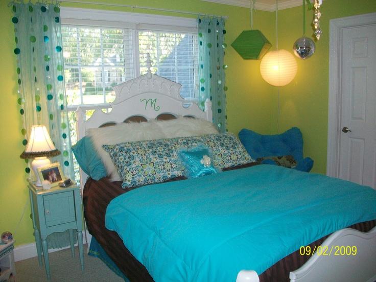 Tween Girls' Bedroom - green, blue, and brown