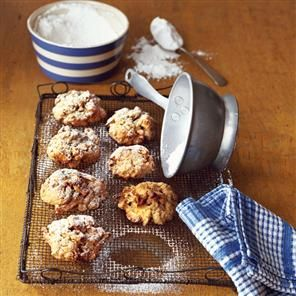 Oat, apple and cinnamon cookies Recipe | delicious. Magazine free recipes