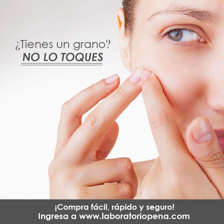 Apretar los granitos puede dejarte una marca imborrable en tu piel, más bien aplica suavemente un producto como nuestra Crema contra Barros y Espinillas para lucir un rostro sano y libre de ácne.