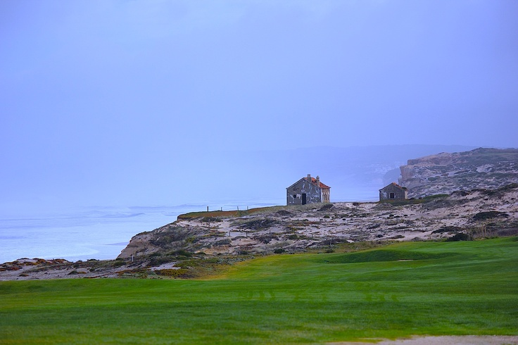 Dec 15, 2012. The sunny day has allowed us to enjoy the beautiful golf course at the Marriott Praia d'el Rey in Obidos.