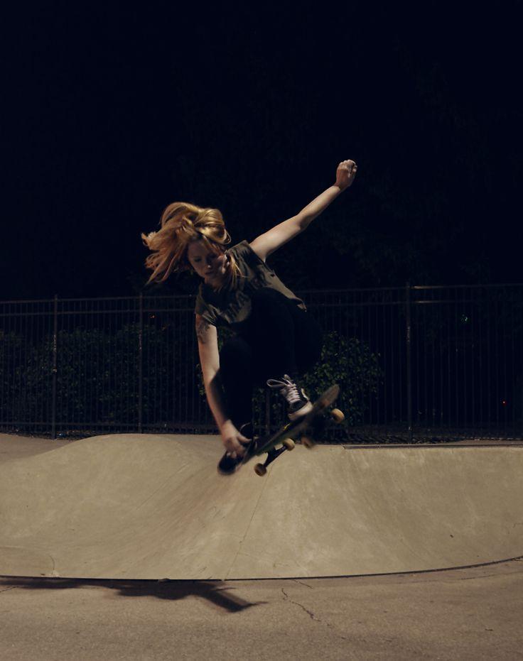 Air-Girl Skateboarders #skateboarding #skateboard #femaleskaters #femaleskateboarders #airout #skate #girl skateboarders