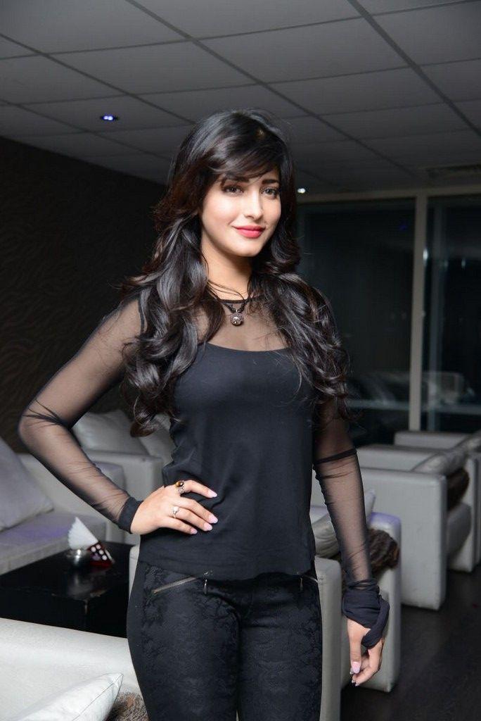 Shruti Haasan #Fashion #Style #Kollywood #Tollywood #Bollywood #Beauty
