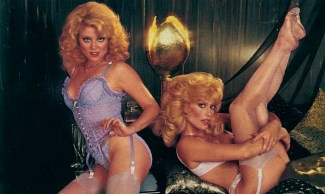 landers sisters nude pics