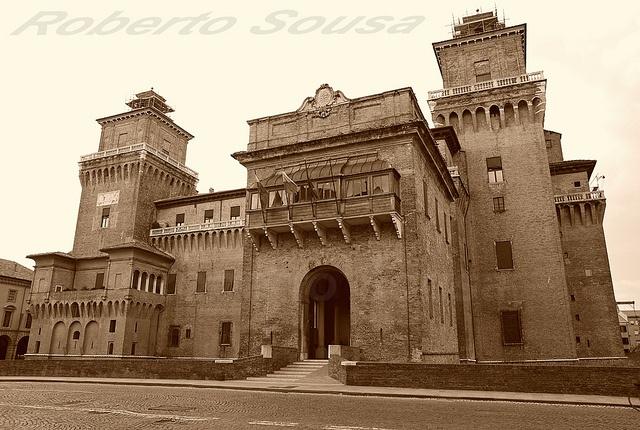 Castello Estense 24/09/2012  (Ferrara, Italy) by Roberto Sousa 87, via Flickr #InvasioniDigitali il 24 aprile alle ore 10:30 Invasore: TurismoFerrara
