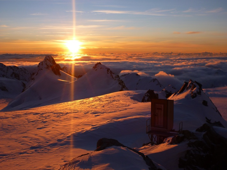 Just another boring #sunset at Pioneer Hut, Fox Glacier Nevé, New Zealand. #backcountry #skitouring #splitboard