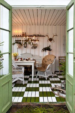my  garden shed...love the floor
