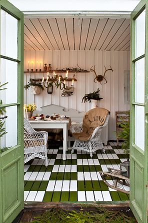my  garden shed...love the floor