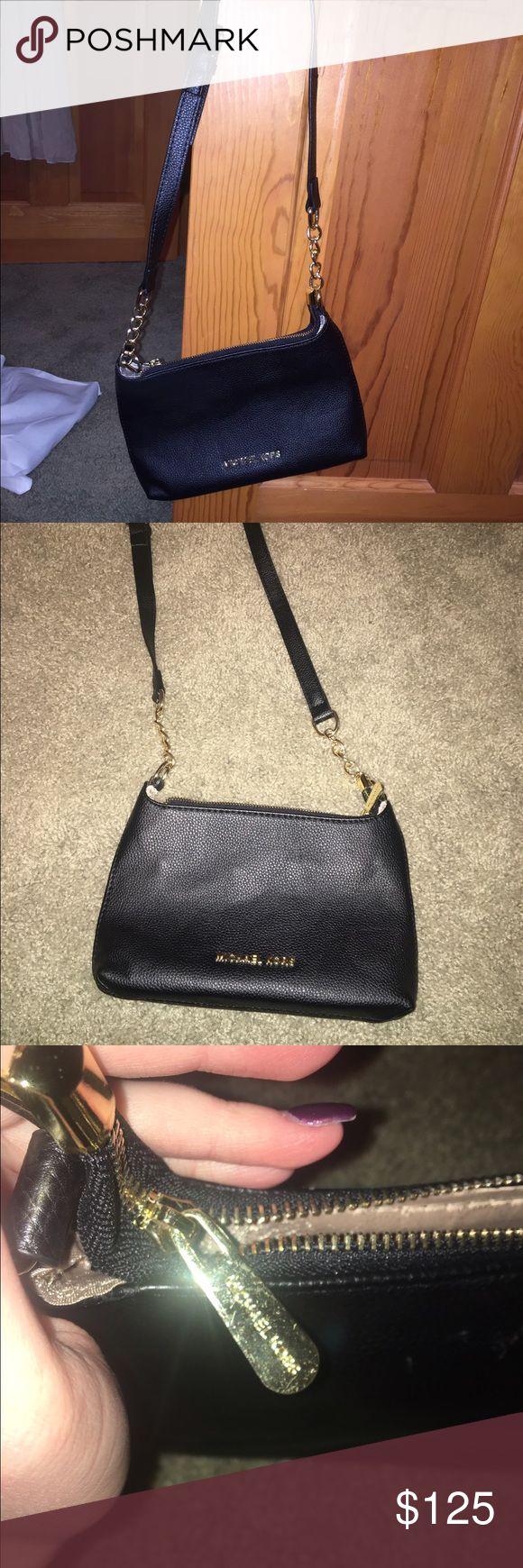Michael Kors Black Purse Never used black Michael Kors purse in amazing condition 😊 Michael Kors Bags Crossbody Bags