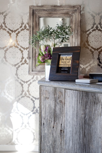Rustic With A Touch Of Metallic For Little Glam Factor