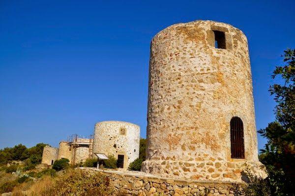 Patrimonio Industrial Arquitectónico: Noticias sobre la recuperación de los antiguos molinos de viento de Xabia.