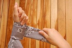 Make a Bandana Bracelet - wikiHow