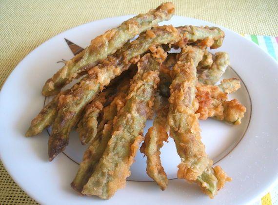 Peixinhos da horta (fried green beans) - Food From Portugal