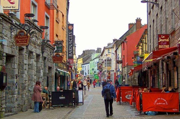 Quay Street, Galway. Image by Irish Jaunt / CC BY-SA 2.0
