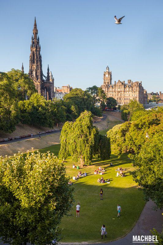 Princes Street Gardens Edimburgo capital de Escocia by machbel #edimburgh #scotland
