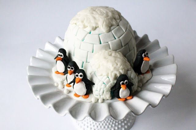 Worth Pinning: Igloo Cake with Gum Paste Penguins