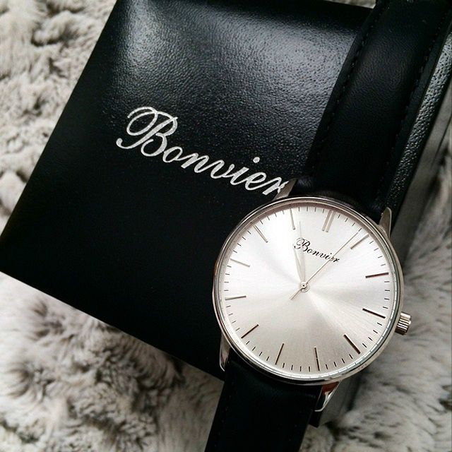 Classic Silver with our latest edition of boxes, thanks to @vjshoes. We offer a 2 year warranty on all our watches - www.bonvier.com #bonvier #watch #watches