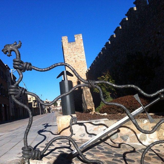by @sicomarto #montblancmedieval #Tarragona #Montblanc #Catalunya #Cataluña #Catalonia #Catalogne #turisme #tourisme #turismo #tourism #trip #travel #viatjar #viatge #viajar #viaje #muralla #Muraille #Citywall  #cultura #patrimoni #heritage #medieval