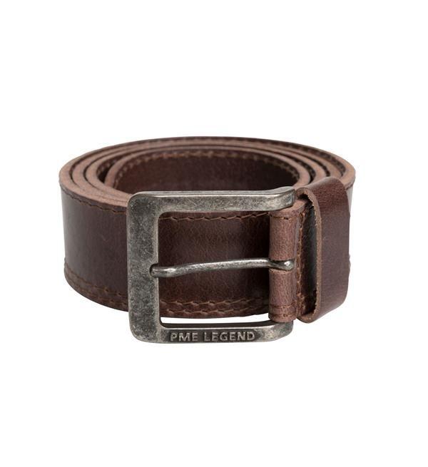 PME Legend stoere lederen riem. Deze bruine riem is doorgestikt op de band. Met logo op de gesp.