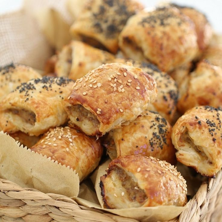 You can't go past these quick & easy Lamb Sausage Rolls for a yummy snack or delicious lunch! Make a double batch and pop them into the freezer.