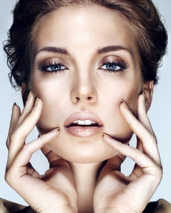 Learn how to apply brown eye makeup professionally.