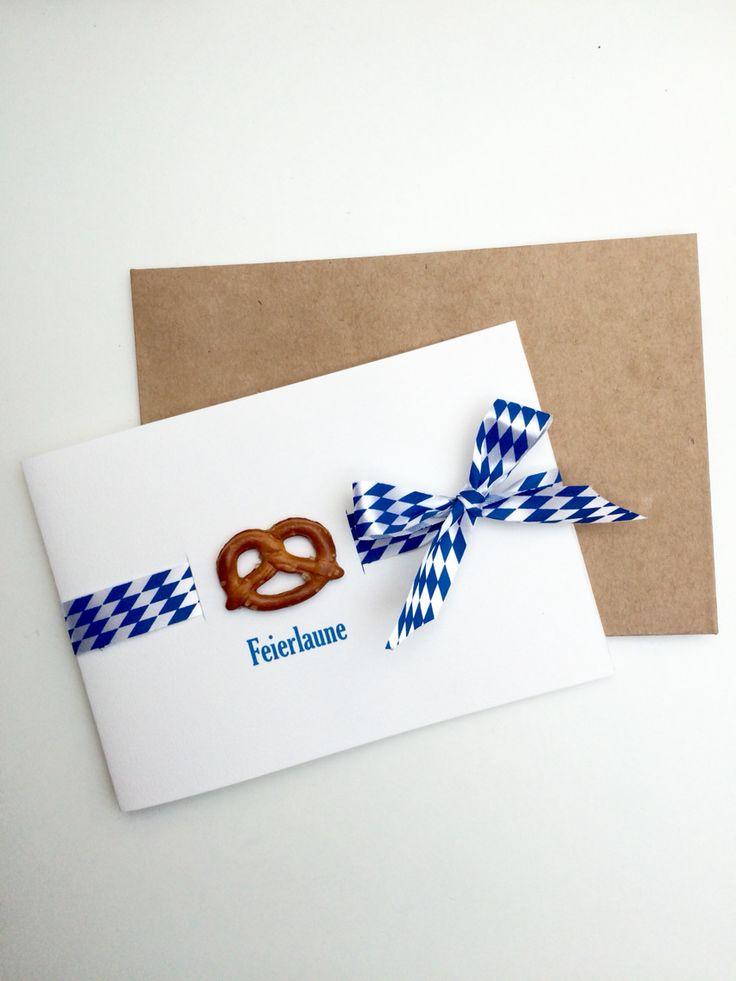 Oktoberfest Bayern blau weiß Brezel Einladung