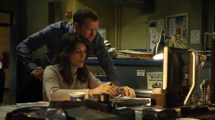 Jennifer Esposito and Donnie Wahlberg as Detectives Jackie Curotola and Danny Reagan in Blue Bloods