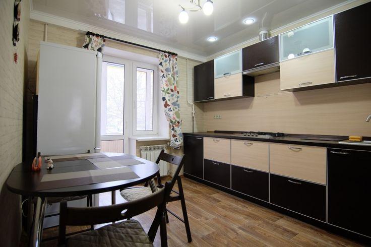 Предлагаем для долгосрочной аренды в Ставрополе  2 - комнатная квартира в историческом центре Ставрополя по адресу Карла Маркса 100,, ремонт современный,встроенная кухня, мягкая мебель,2 кровати, рабочий стол, общей площадью 50 кв.м, дом Кирпич, Центральное отопление, Газ-плита, наличие бытовой техники - стиральная машина (+), холодильник (+), телевизор (+),парковка стихийная, номер объявления - 32258, агентствонедвижимости Апельсин. Услуги агента только по факту заключения…