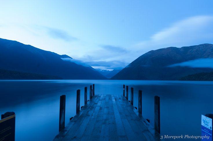 Chilly dawn at Lake Rotoiti, St, Arnaud, South Island, New Zealand