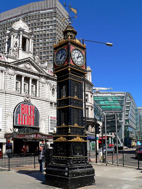 victoria station clock london ndon pinterest. Black Bedroom Furniture Sets. Home Design Ideas