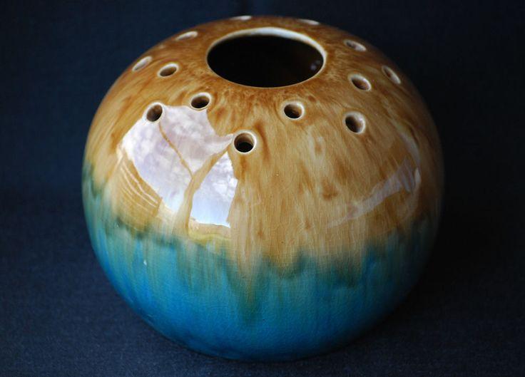13cm x17cm Regal Mashman Australian Pottery Large Pierced Posy Ball Vase No.287 - Excellent