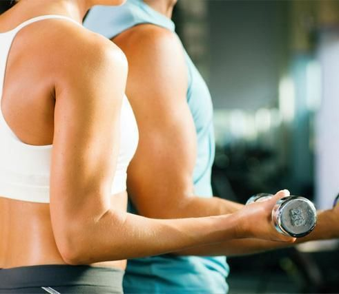 Como ganhar volume muscular. Se seu problema é ser muito magro e, apesar de não fazer dieta, tiver dificuldades para engordar e ganhar volume muscular, pode consegui-lo seguindo uma série de regras alimentares relacionadas com o ...