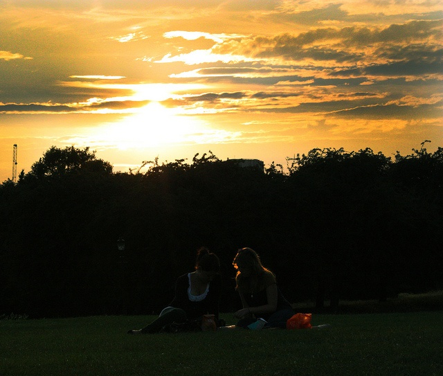 Sunset at Primrose Hill, London via http://townfish.com. Follow us: http://twitter.com/townfish_london