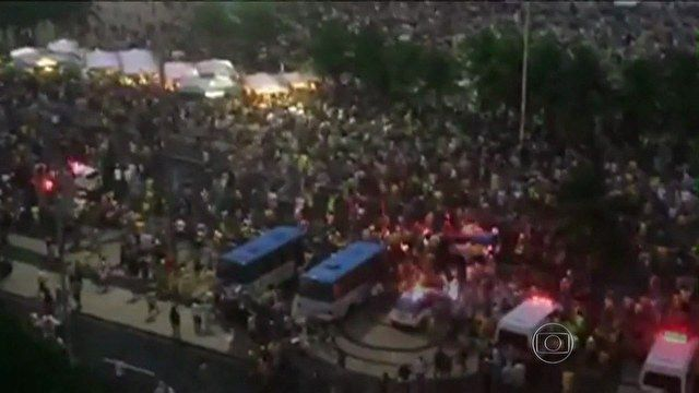 F.G. Saraiva: Confusão na Orla de Copacabana após derrota do Bra...