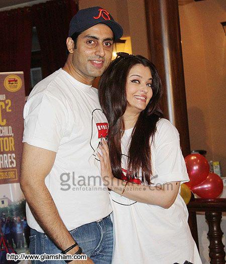Abhishek Bachchan & Aishwarya Rai Bachchan at Aishwarya Abhishek Children�s Day celebration - photo 5 : glamsham.com