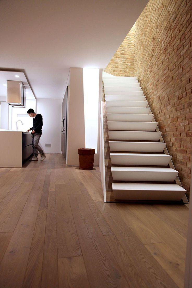 Wedge shaped stairs