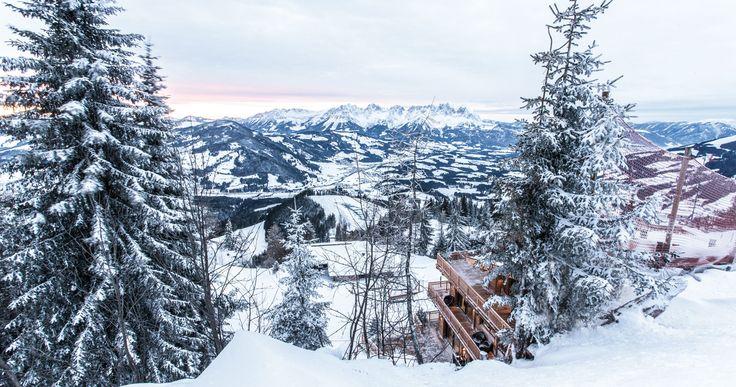Urlaubsgenuss auf höchstem Niveau in der exklusiven Hahnenkamm Lodge, dem Private-Chalet im Skigebiet Kitzbühel. Jetzt anfragen!