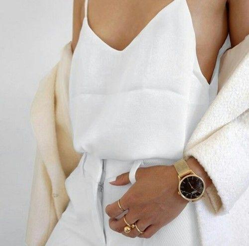 Połączenie bieli i złota jest niezawodne!  #watch #watches #zegarek #white #simple #fashion #lovewatch #watches #butikiswiss