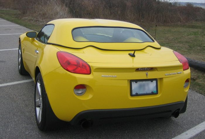 Click to enlarge - Pontiac Solstice with Painted LeMans Hardtop